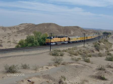 UP 6936 DDA40X Araz Jct -just west of Yuma, AZ Apr 2008 (miss-dated in picture)